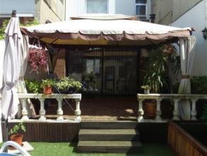 Ben je op zoek naar een toffe en instapklare Eengezinswoning met gezellige tuin en meerdere slaapkamers ? Wil je wonen in een aangename omgeving en to
