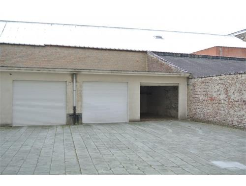 Garage louer ixelles 200 dhqzr noa real for Garage professionnel a louer