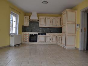 Situé dans le quartier historique de Bouillon, au premier et troisième étage d'une résidence de 4 appartements, 2 appartem