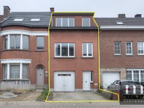 Centraal gelegen woning met garage te MortselNIEUWE VOORWAARDEN : Deze woning is gelegen in de Molenstraat 60 te Mortsel, vlakbij voorname invalswegen