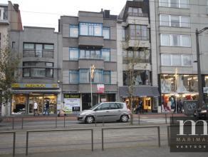 Ruim handelspand te huur in centrum MortselDit ruim handelspand is gelegen op de Statielei 85 te Mortsel, dus midden op een belangrijke commercië