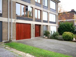 Ruime bel-étagewoningDeze ruime bel-étagewoning is gelegen in de Pieter Van Den Bemdenlaan 89 in Edegem. De nabijheid van scholen, winke