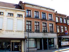 Bel immeuble de rapport très qualitatif au centre de Braine le Comte et à proximité de la gare. L'ensemble se compose de 5 unit&e