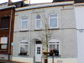 Agréable belle maison bien équipée proposant de beaux espaces et 4 grandes chambres. Situation idéale à quelques mi