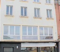 Situé en plein centre de Braine le Comte et à proximité de la gare, bel immeuble mixte composé de 4 unités dont un