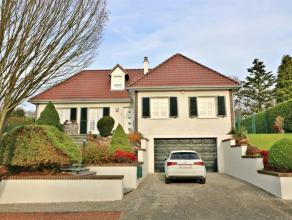 ------VENDU------- Magnifique villa vivable de plain pied sise sur un terrain de près de 7 ares ! Idéalement située dans une rue