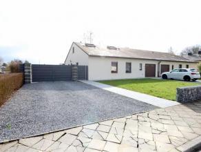 Magnifique Bungalow 4 chambres (11 - 12 - 13 - 21 m2) vivable de plain pied sise sur un terrain de près de 10 ares ! Idéalement situ&eac