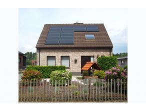 ZAT 25/6 1 STE BEZOEKDAG OP AFSPRAAK 0488.85.81.84 Charmante open bebouwing op 705m² met zuidgerichte tuin. Gelegen in het hartje van de Vlaamse
