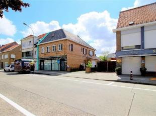 Centraal gelegen handelshuis met woonst, op heden opgedeeld in 4 woonentiteiten en 1 stockage ruimte. De woning dient aangepast en opgefrist te worden