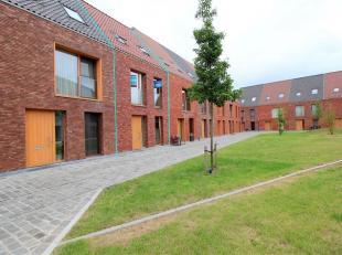 Ruime woning in residentie 'Den Indruk' in het centrum van Brugge nabij de winkels, de ring en de vesten. Deze woning bestaat op het gelijkvloers uit