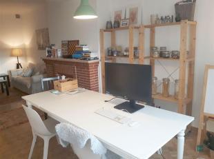 Dit ruime 1 slaapkamer appartement is gelegen in het hart van Leuven op de pittoreske Muntstraat.<br /> Een mooie leefruimte met eetplaats en zuidelij