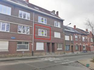 Dit appartement is gelegen in het hart van Kessel-Lo.<br /> Het is gelegen op de 1e verdieping van een grote woning.<br /> Er is een leefruimte van 20