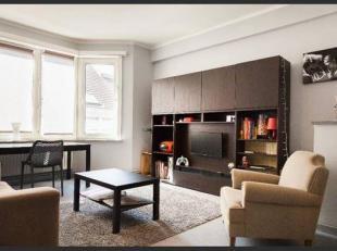 En plein cur de Bruxelles , a 50 m de Manneken-Pis , une appartement meublé  de 70 m² avec 1 chambre + bureau au 3° et dernière