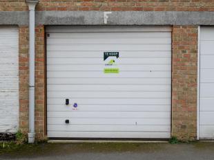 Garage te koop                     in 8310 Sint-Kruis