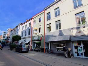 Uiterst goed gelegen handelspand + woning/stockageruimte in de winkelstraat (Leuvensestraat) van Tienen. De ideale ligging voor de uitoefening van een