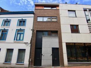 Uiterst gunstig gelegen appartement in het centrum van Tienen met o.a. een bewoonbare oppervlakte van 80m², één slaapkamer en een r