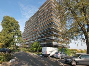Appartement met drie slaapkamers en kelderberging gelegen in Residentie Beatrijs te Tienen. EPC: 238. Mogelijkheid om garagebox bij aan te kopen mits