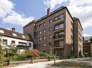 Op te frissen 3 slaapkamer- appartement met een bewoonbare oppervlakte van 118 m², en staanplaats in het centrum van Aarschot. EPC: 481 kWh/m&sup