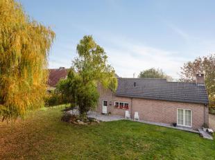 Prachtige villa net buiten Tienen op een perceel van maar liefst 44a 38ca met o.a. een bewoonbare oppervlakte van 300m², 5 slaapkamers, 2 badkame