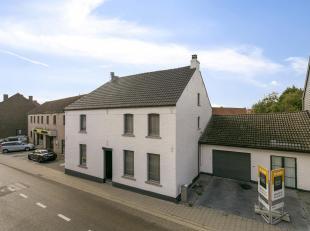 Ruime woning in Kumtich met o.a. een bewoonbare oppervlakte van 210 m², 3 slaapkamers, ruime garage, praktijkmogelijkheden, aangename tuin, etc!