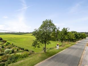Mooi perceel bouwgrond voor open bebouwing op een terrein van 14 are 27 ca gelegen te Landen.<br /> De bouwgrond is gelegen in een rustige en groene o