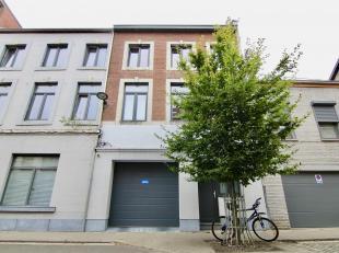 Ruime instapklare woning met o.a. een bewoonbare oppervlakte van 250 m², 5 ruime slaapkamers, inpandige garage en zuid-georiënteerde tuin. E