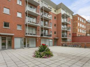 Perfect instapklaar appartement met twee slaapkamers en een bewoonbare oppervlakte van 129 m². Gelegen in het stadscentrum op de eerste verdiepin