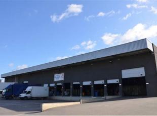 Logistieke opslaghal gelegen op het industrieterrein Lummen - Heusden-Zolder, vlakbij het verkeersknooppunt Klaverblad E313-E314.<br /> <br /> Diverse