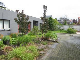Te koop te Mechelen<br /> <br /> Het gebouw bestaat uit een B&B met twee mooi ingerichte kamers met eigen badkamer en een gemeenschappelijke keuke
