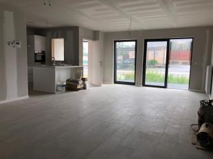 SINT-JORIS-WINGECe bel appartement au rez-de-chaussée sera vendu en vertu de droits denregistrement et dispose dun jardin devant et derri&egrav