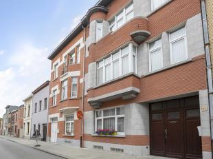NEDER-OVER-HEEMBEEKDeze ruime woning met 4 slaapkamers is gelegen op een boogscheut van het park Drie Fonteinen, Kasteel van Laken en het Atomium. Het