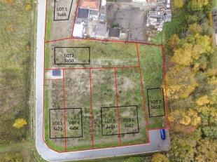 LOT 2 van verkaveling Bollo: 3 bouwgronden voor open bebouwingen en 4 half-open Bijna-Energie-Neutrale (BEN) woningen.<br /> De verkaveling werd reeds