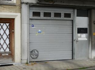 CONTACT: e-mail hanne@vicusvastgoed.be of bel 0478/65.88.15<br /> Langs het water van de  Coupure, aan de Waldamkaai 1, vinden we deze ondergrondse au