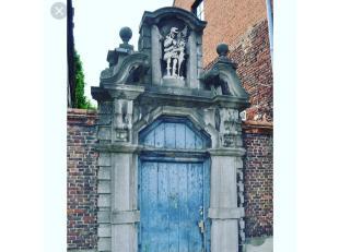 Contacteer het verhuur-team via verhuur@vicusvastgoed.be<br /> Op de hoek van de Edmond Boonestraat en Begijnhofdries, vindt u deze royale Begijnhofre