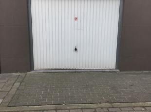 CONTACT Hanne via 0478/65 88 15 of mail naar hanne@vicusvastgoed.be<br /> Te koop: ruime garage op de hoek van de Dahliastraat en de Fuchsiastraat. Pl