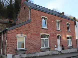 Immeuble de rapports 3 façades de 195 m² habitables sur 2,16 ares - 7 Kots, 5 emplacements voitures.Rez: Hall (6,80 m²), Kot n°1