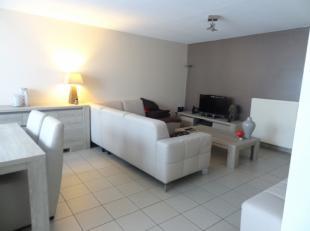 VRIJ OP  01/09/2019 <br /> Dit appartement bestaat uit een inkomhal, een mooie leefruimte (7,4 m x 4m), een keuken met ingebouwde apparatuur, berging,