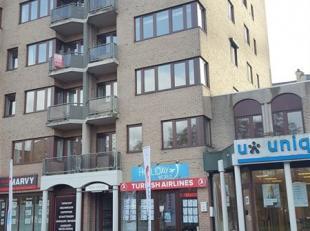 GENK<br /> In het centrum van Genk op wandelafstand van het stadscentrum hebben wij dit ruime appartement te huur. <br /> Via een lift geraken we op d
