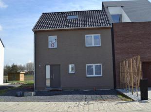 Ruim en zeer mooi huis gelegen in een rustige straat dichtbij het zwembad van Londerzeel, met een bewoonbare oppervlakte van 150 m² en met volgen