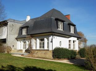 Prestigieuse villa à louer sur la périphérie de Bruxelles.<br /> Cette maison de maitre se compose d'un beau hall