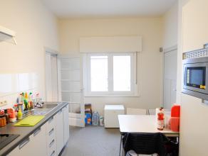 Dit leuke appartement is rustig gelegen in het centrum van Leuven op wandelafstand van het station. Er is 1 slaapkamer, keuken, douchekamer en living