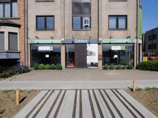 Aan het nieuw aangelegde park Belle-Vue bieden we u deze handelszaak met bovenliggend appartement. De handelsruimte heeft een grote visibiliteit door