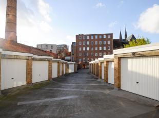 Makkelijk te bereiken garageboxen te koop centrum Leuven. De prijs is 65.000 euro per garagebox.<br /> <br /> 1 garagebox op het gelijkvloers en 2 gar