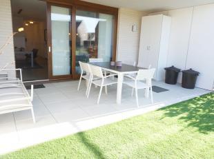 Zo goed als nieuw maar geen BTW te betalen!!! Ruim, luchtig en recent gelijkvloers appartement met perfect zongerichte tuin te Assebroek, op slechts 4