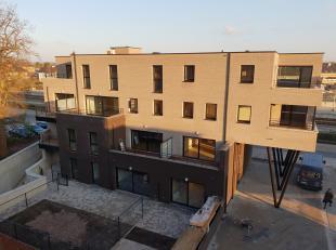 Dit nieuw appartement van 85 m² ( + 14 m² terras ) is gelegen in de residentie Dommelvallei te Stationsstraat – Neerpelt.<br /> <br /> Dit a