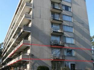 Zeer goed onderhouden appartement gelegen in residentie 'KIEVIT', op loopafstand van Genk-Centrum, de scholen, bakker, enz..<br /> <br /> Dit appart
