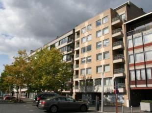 Appartement van 104 m² met 2 slaapkamers en ondergrondse kelder, gelegen op de 6de verdieping tegenover Shopping1 met uitzicht op het stadscentru