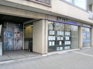 2 handelspanden van samen 202m², als belegging. De panden zijn gelegen in het centrum van Genk, tegenover Shopping1. Geschikt voor vrij beroep, k