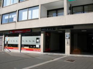 2 handelspanden van samen 351,64 m² (302 m² + 49,64 m²) als belegging. Allebei samen of apart te koop.<br /> De panden zijn gelegen in