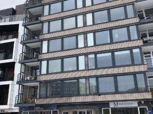Ruim appartement met drie slaapkamers, twee terrassen en ondergrondse parking + kelder gelegen tegenover Shopping 1 met uitzicht op het stadscentrum.I